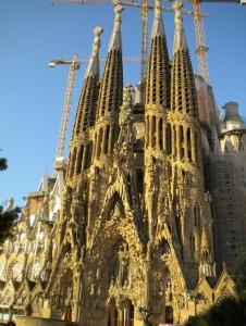 Známá katedrála Sagrada Familia.